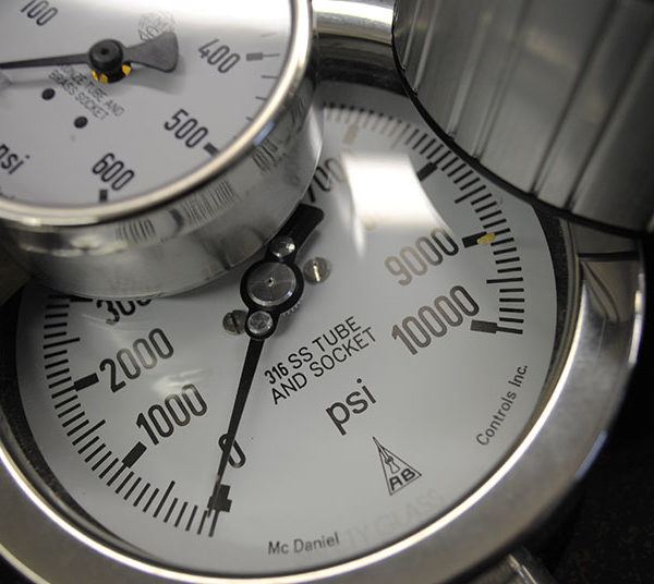 Tool Testing Lab Pressure Gauge
